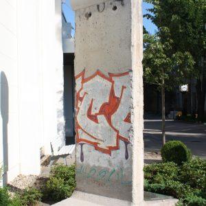 Niemcy. Berlin – Goerzallee. Fragment Muru Berlińskiego.