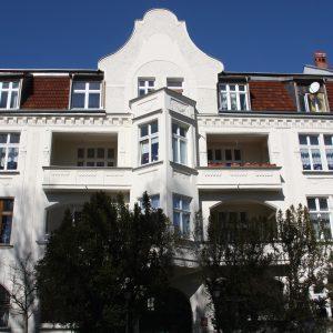 Świnoujście. Rekonstrukcja wybranych detali kamienic przy ul. Hołdu Pruskiego (1)