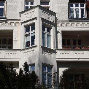 Świnoujście. Rekonstrukcja wybranych detali kamienic przy ul. Hołdu Pruskiego (2)